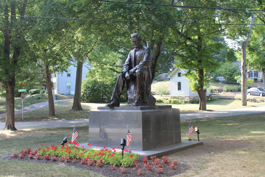 Large view of Abraham Lincoln Statue